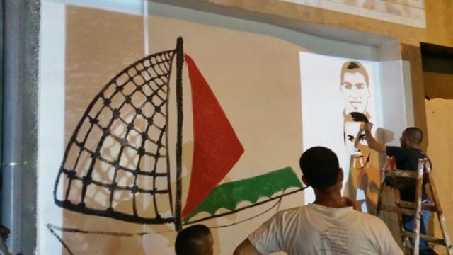 الناصرة: كتلة شباب التغيير تحيي ذكرى شهداء هبة القدس والأقصى برسم جدارية