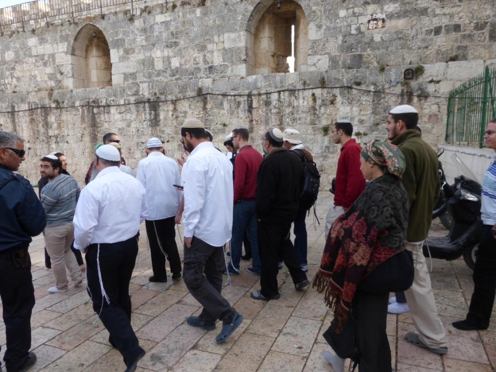 إسرائيل تواصل تقسيم الأقصى وتفتح باب القطانين لاقتحامات اليهود