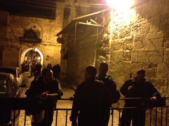 القدس: مواجهات في الأقصى وقيود على دخول المصلين