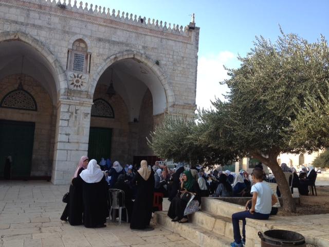 رباط عرب الداخل وأهل القدس يحبط إقتحام المستوطنين للأقصى