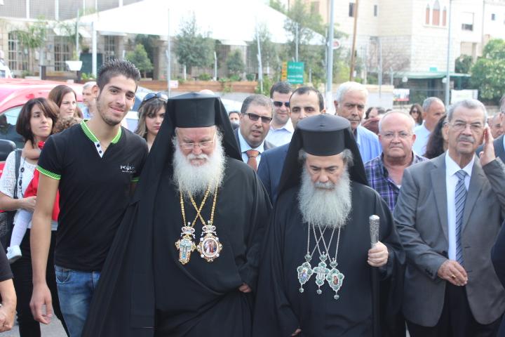 الناصرة تحتفل باليوبيل الذهبي والفضي للمطران كرياكوس
