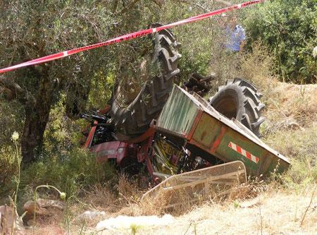 إصابة خطيرة لمزارع من مجدل شمس بحادث انقلاب تراكتور