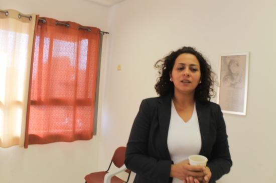 """سيدة الأعمال منى أبو ليل لـ""""عرب 48"""": عمل المرأة سلاح ذو حدين"""