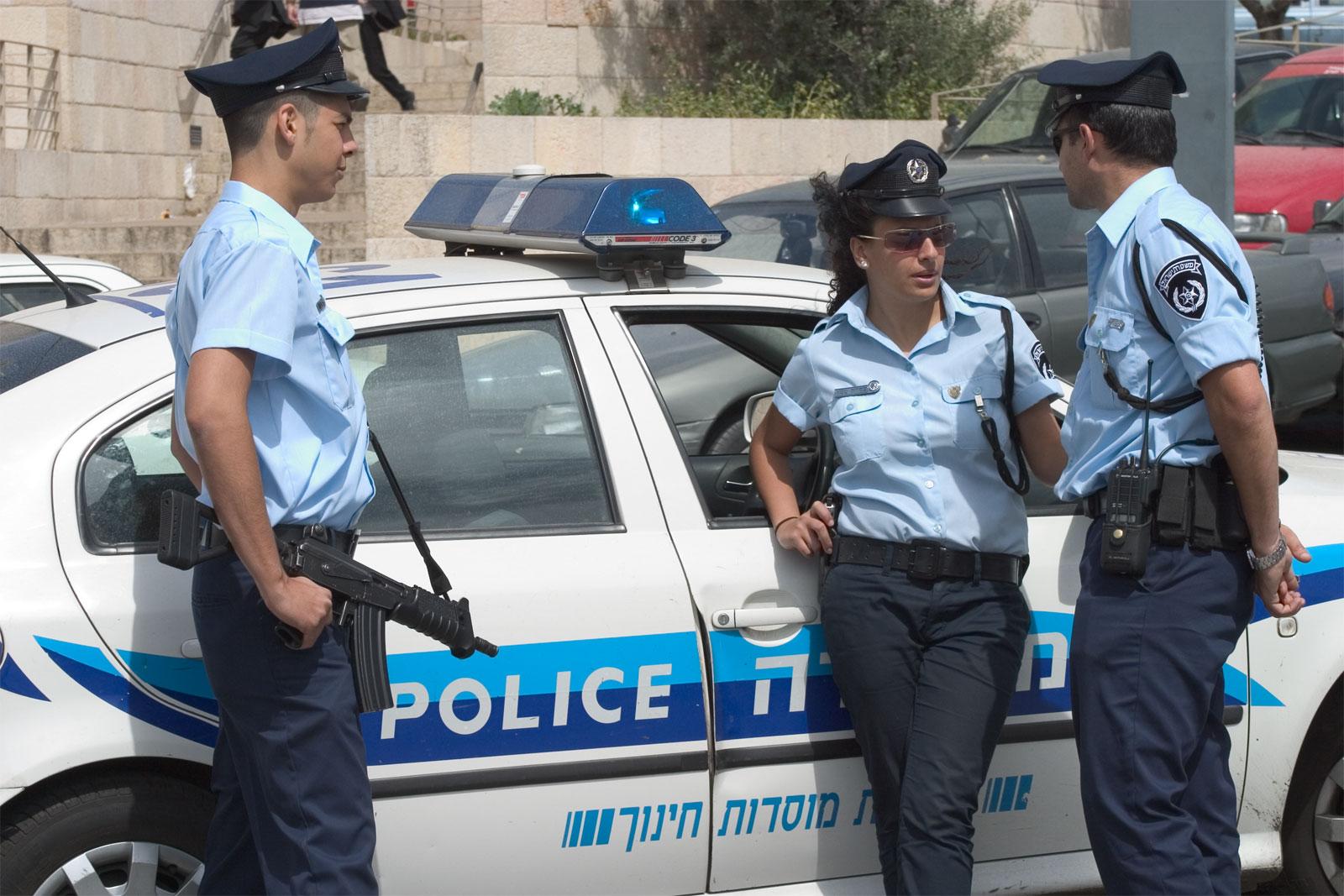 19%  فقط من العرب يثقون بالشرطة
