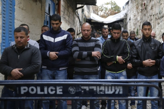 مظاهرات بالقدس والضفة: إصابة العشرات بالرصاص الحي والمطاطي وقنابل الغاز