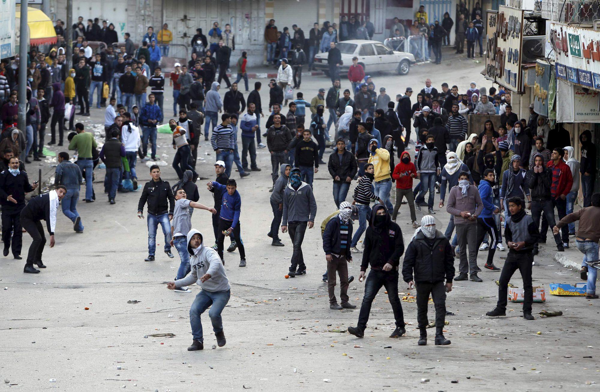 هبة القدس: ليفني تطرح تعديلا لتشديد العقوبات على إلقاء حجارة
