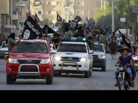 """جماعة أنصار بيت المقدس في مصر تبايع """"داعش"""""""