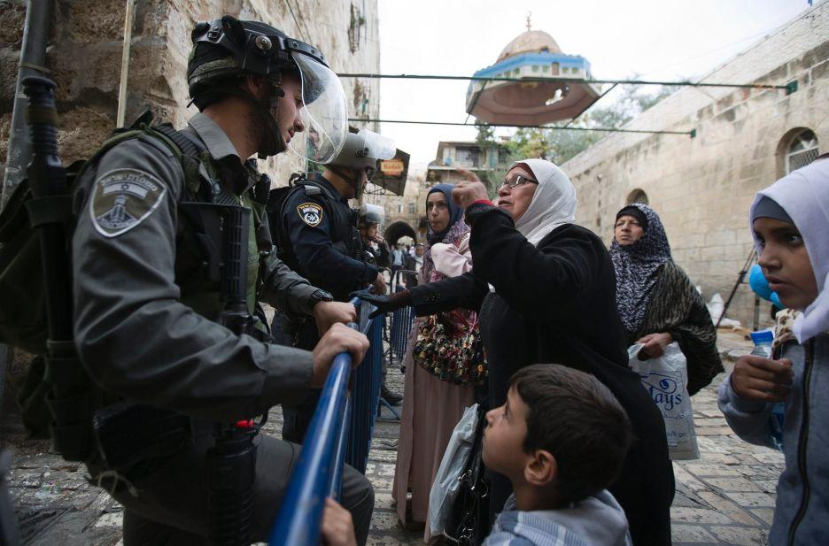 إجراءات عقابية ضد الفلسطينيين في القدس:  مداهمات وهدم وتنكيل وغرامات