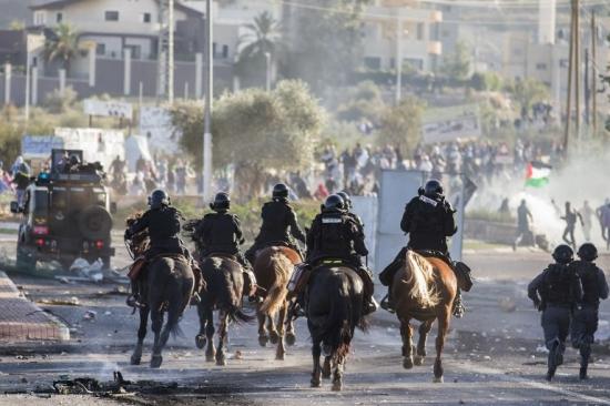 كفر كنا: 30 معتقلا والمواجهات متواصلة
