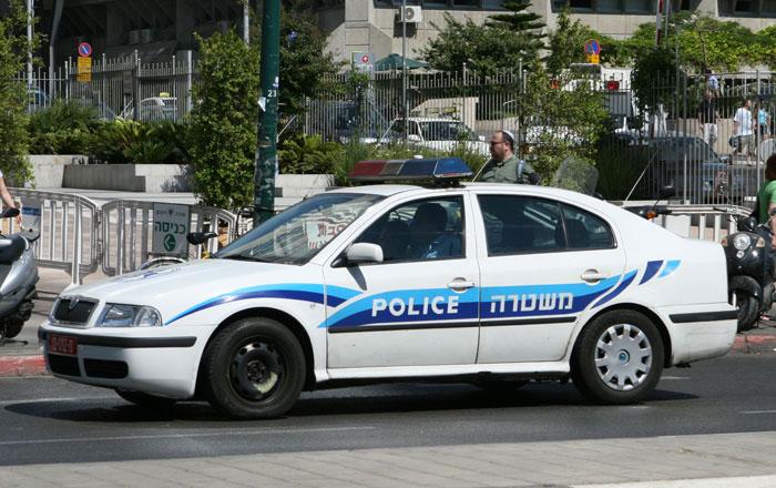 أضرار لمركبة شرطة في شفاعمرو رشق وحدات خاصة في عبلين