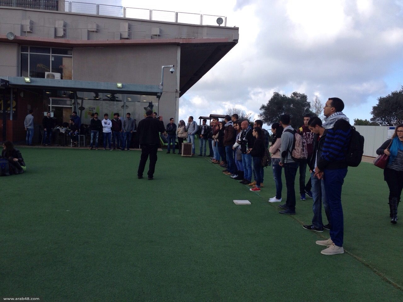 جامعة حيفا: الطلاب العرب يقفون حدادًا على روح الشهيد راموني
