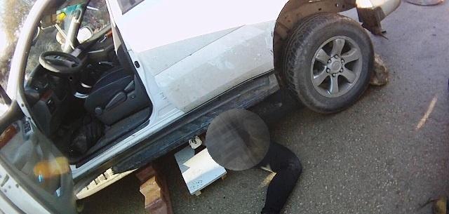 نين: إصابة خطيرة لفتاة علقت تحت سيارة بعد تعرضها للدهس