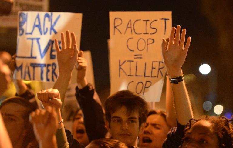 توقيف أكثر من 180 متظاهرا في لوس أنجليس على خلفية أحداث فرغسون