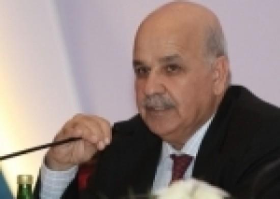 عندما ينتفض التاريخ على جهل محمد بركة وانحطاطه/ د. محمود محارب