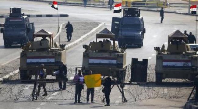 قوات الأمن المصرية تطلق الغاز المسيل للدموع والخرطوش لتفريق محتجين