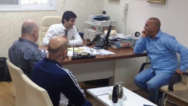 رئيس بلدية باقة يجتمع مع رؤساء الفرق الرياضية لمواصلة الدعم المالي