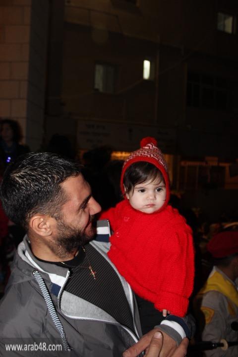 يافة الناصرة: إضاءة شجرة الميلاد في أجواء الفرح والسعادة