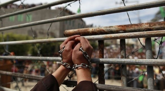 الأسرى يطالبون بمساندة إضرابهم بعد فشل المفاوضات مع إدارة السجون