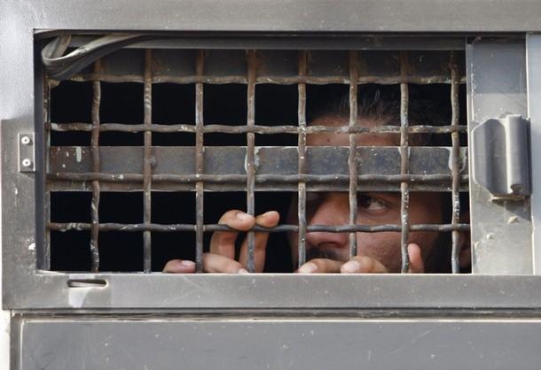 العزل الانفرادي للأسرى: قبور للأحياء في سجون الاحتلال
