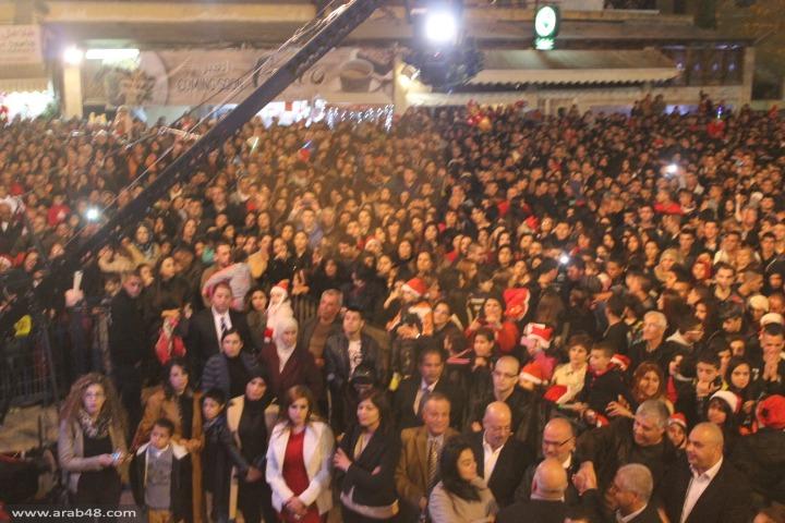 الناصرة: عشرات الآلاف في افتتاحية سوق الميلاد وإضاءة الشجرة