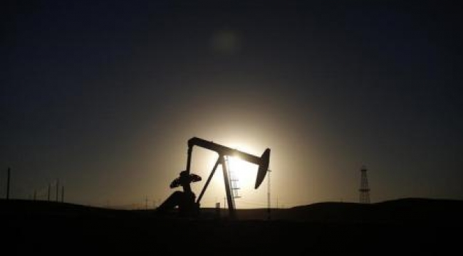 النفط يعاود الهبوط والخام الأمريكي يغلق منخفضا أكثر من 4 بالمئة