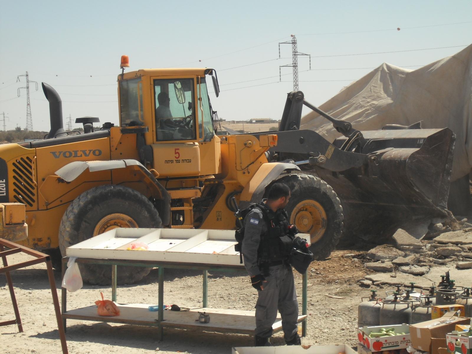 حصاد عام 2014: تهجير وتشريد للعرب بالنقب وهدم ألف منزل