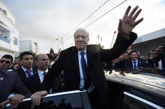 من هو الرئيس التونسي المنتخب قائد السبسي؟