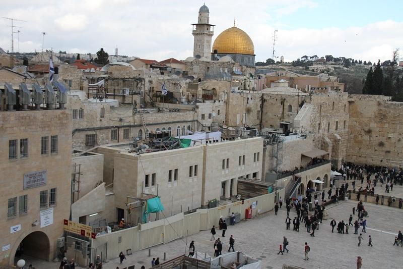 """القدس: الاحتلال يتقدم في بناء """"بيت شطراوس"""" التهويدي في حي المغاربة"""