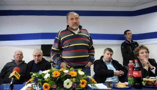 """عمولة بقيمة 100 ألف شيكل كشفت فضيحة الفساد في """"يسرائيل بيتينو"""""""