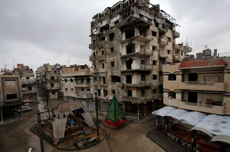 المرصد السوري: الحرب قتلت 76021 شخصا في 2014