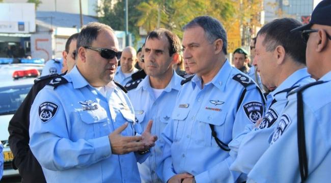 قضايا الفساد تفرغ الشرطة الإسرائيلية من ذوي الرتب العليا