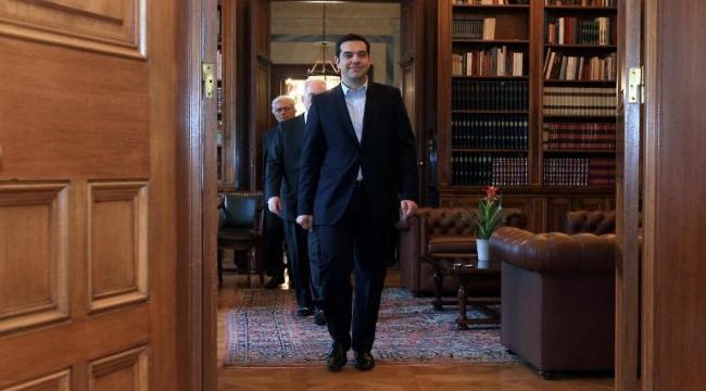تسيبراس يشكل حكومة معارضة للتقشف وسط قلق أوروبي
