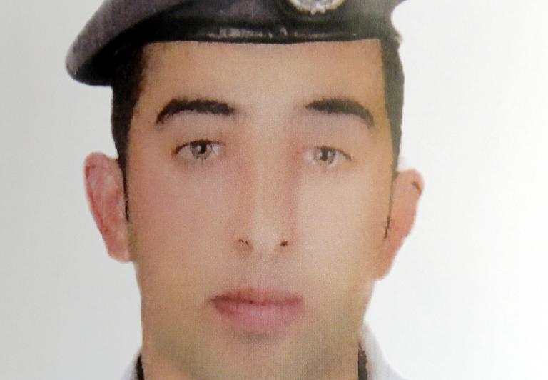 """الأردن بانتظار إثبات أن طياره الكساسبة  المحتجز لدى """"داعش"""" حي"""