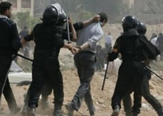 أمن السلطة الفلسطينية يعتقل مواطنيْن وتستدعي آخرَين بينهم طالبة جامعية