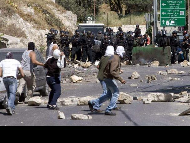 «حقوق المواطن» تطالب بالتحقيق في استخدام الرصاص الاسفنجي الأسود في القدس