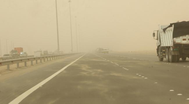 العاصفة شام: أجواء مغبرة ورياح شديدة وأمواج بارتفاع 12 مترا