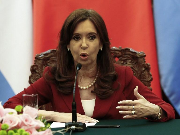 اتهام رئيسة الأرجنتين بالتستر على تورط إيرانيين بتفجير مركز يهودي