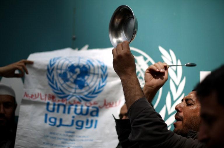 """""""أونروا"""": نحتاج 100 مليون دولار عاجلاً لغوث غزة"""