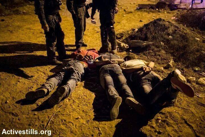 النقب: تنكيل وحشي وملاحقات لعائلة عربية تنتهي بإغلاق ملف التحقيق!