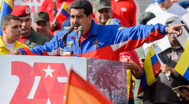 فنزويلا تفرض تأشيرات دخول على الأميركيين وتقلص طاقم سفارتهم