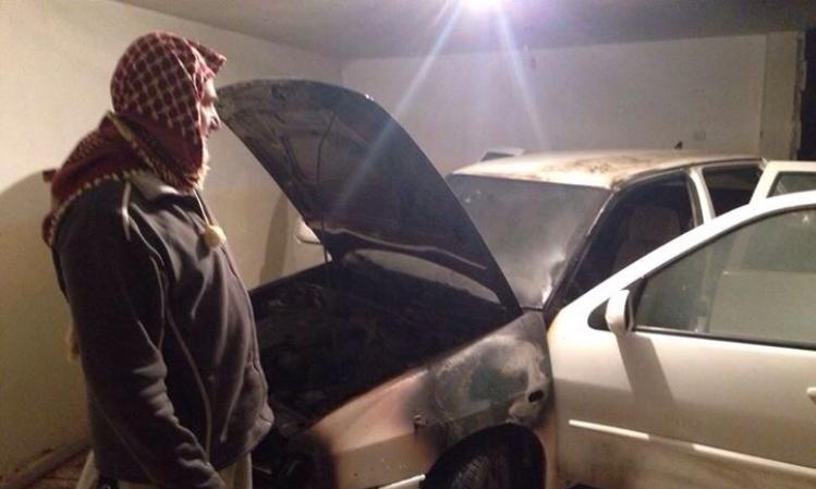 اللقية: مجهولون يحرقون سيارة الشيخ أبو قرن