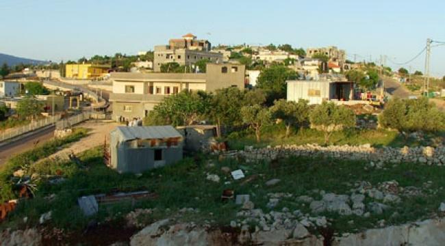 مطالبة وزارة الإسكان بتسويق قسائم البناء في قرية الكمّانة