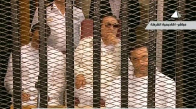 إعادة محاكمة مبارك ونجليه في قضية القصور الرئاسية