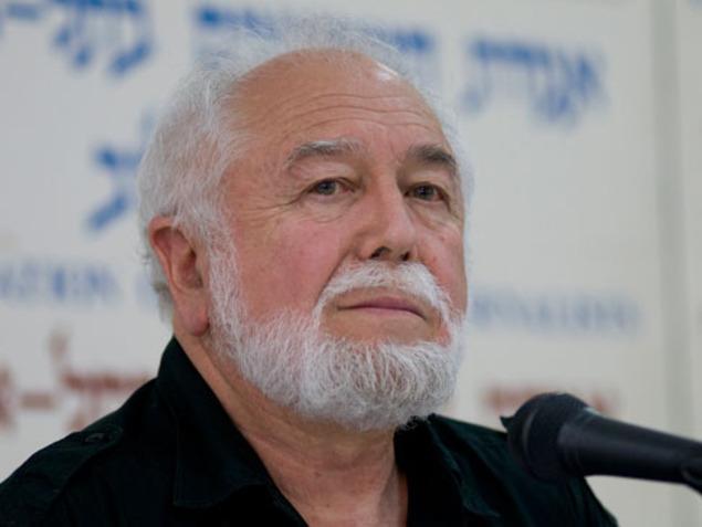 الأديب الإسرائيلي يهوشع سوبول يشبه اليمين بالنازية
