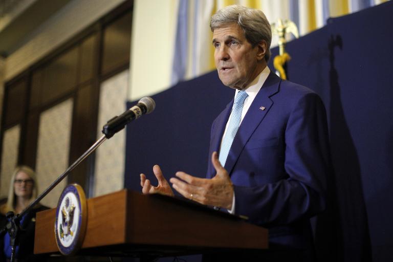 كيري: أوباما ملتزم بحل الدولتين