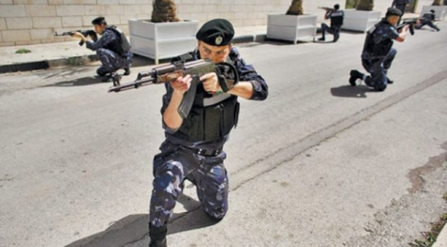 اشتباكات بين أمن السلطة ومسلحين في مخيم جنين