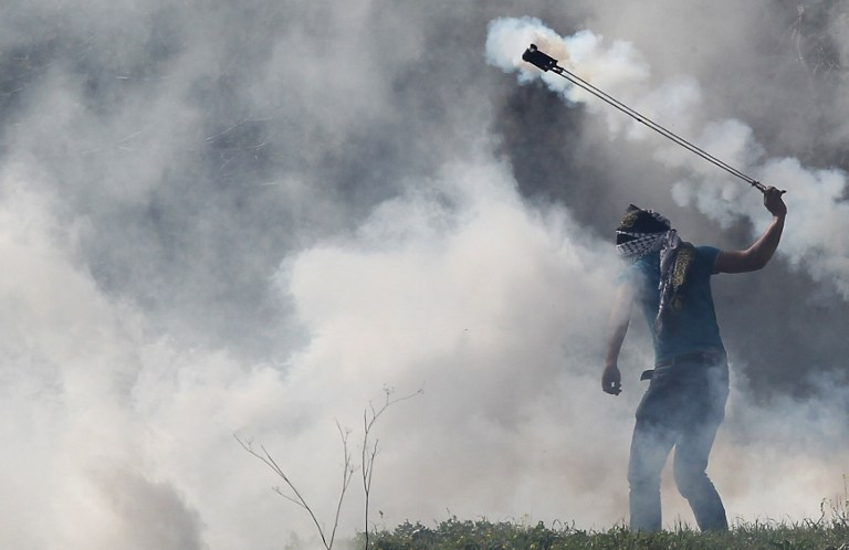 الجلزون: استشهاد شاب متأثرا بجراحه خلال مواجهات مع الاحتلال