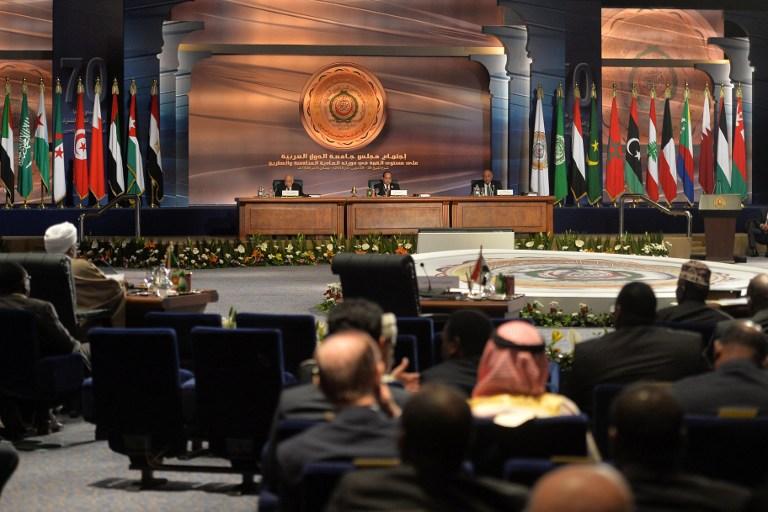 """القمة العربية: شبه إجماع على دعم """"عاصفة الحزم"""""""