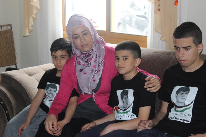 ابنة الشهيد رجا أبو ريا: أبي رفض التراجع وظل يردد