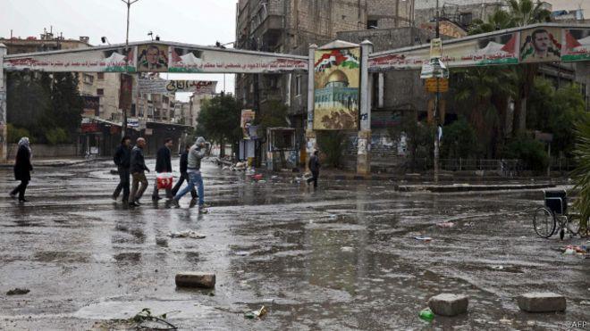 """الائتلاف السوري يدعو """"التحالف"""" والكتائب العسكرية لإنقاذ مخيم اليرموك"""